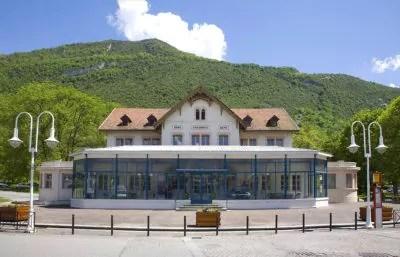 Cure thermale Challes-les-Eaux - Le bâtiment des thermes