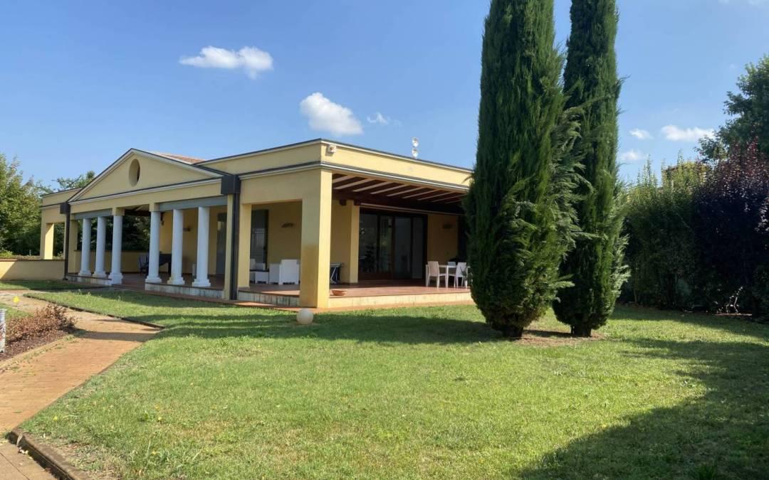 Villa plurifamiliare Strada Ubaldo Bertoli 56, Parma