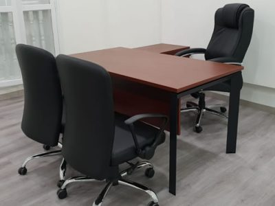 Yong Tai Holdings - DE Series Director's Desk