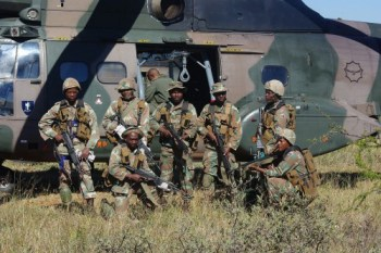 South African paratroopers. Quelle: John Sutpart