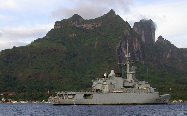 Frigate Floréal, at anchor in Bora-Bora lagoon, 24th of Novembre 2002 (Source: Wikimedia Commons).