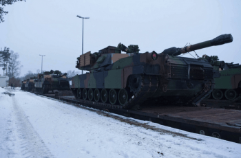 The last of 29 M1A2 SEPv2 Abrams tanks arrived at the Grafenwoehr railhead, Jan. 31, 2014. The tanks are part of a new set of heavy equipment positioned at the training base (Photo: Michael S. Darnell).