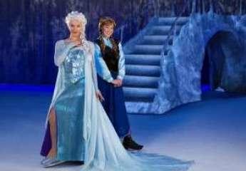 Anna & Elsa in Disney on Ice presents Frozen