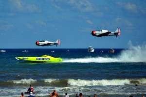 Geico Skytypers race Miss Geico