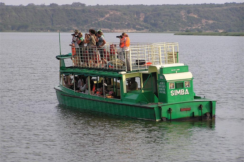queen elizabeth National park launch cruise