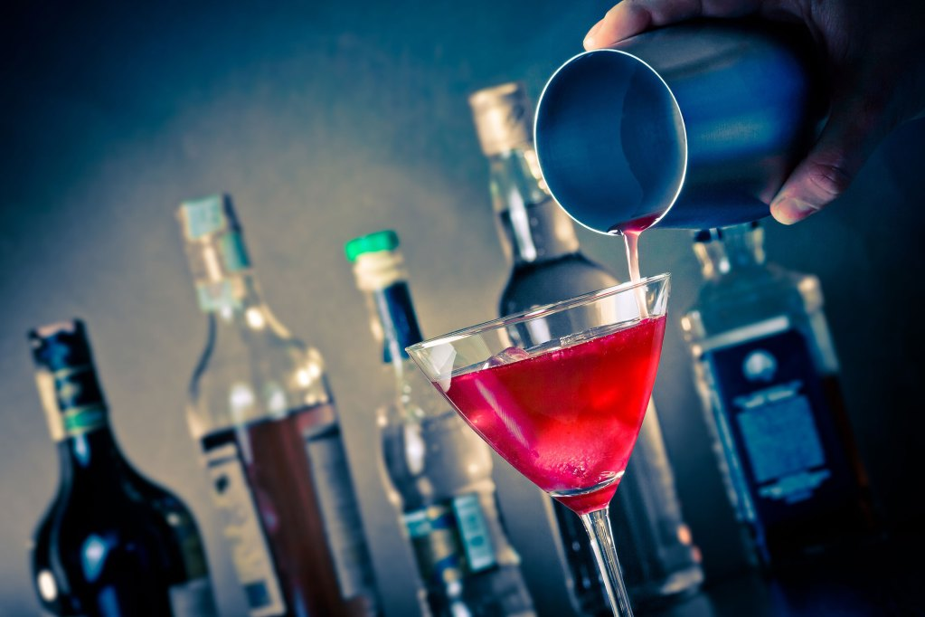 drink_offsidevents_bartender