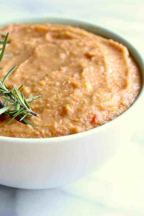 easy dinner recipe: paleo butternut squash soup is a cozy, comforting and healthy dinner idea
