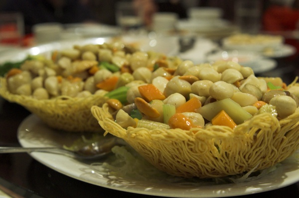 Stirred Scallop with Macadamia Nuts
