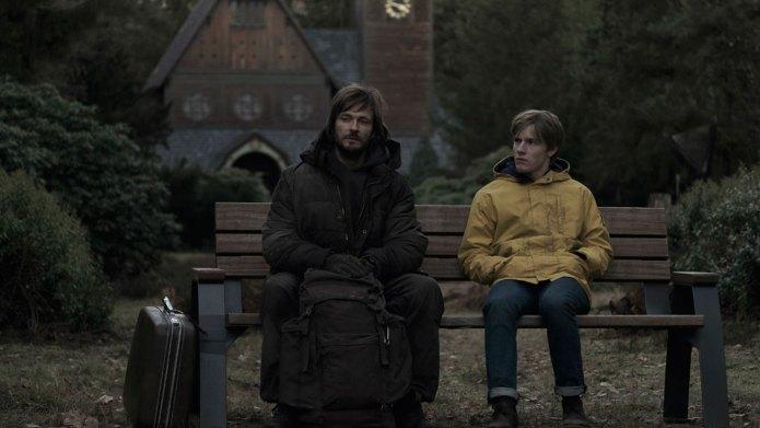 Terceira temporada de Dark chega à Netflix com disputa entre luz e ...