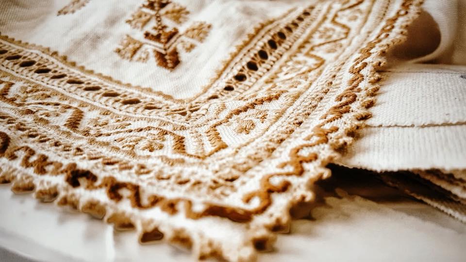 Taller de artesanía de bordado en oro con Macarena Sanz (Cuenca)