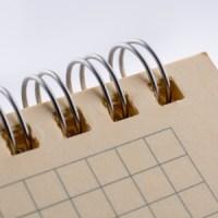 ¿Cómo reparar cuadernos de espiral o libretas grapadas?