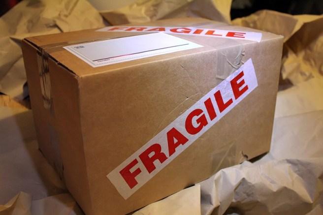Etiqueta en una caja de cartón