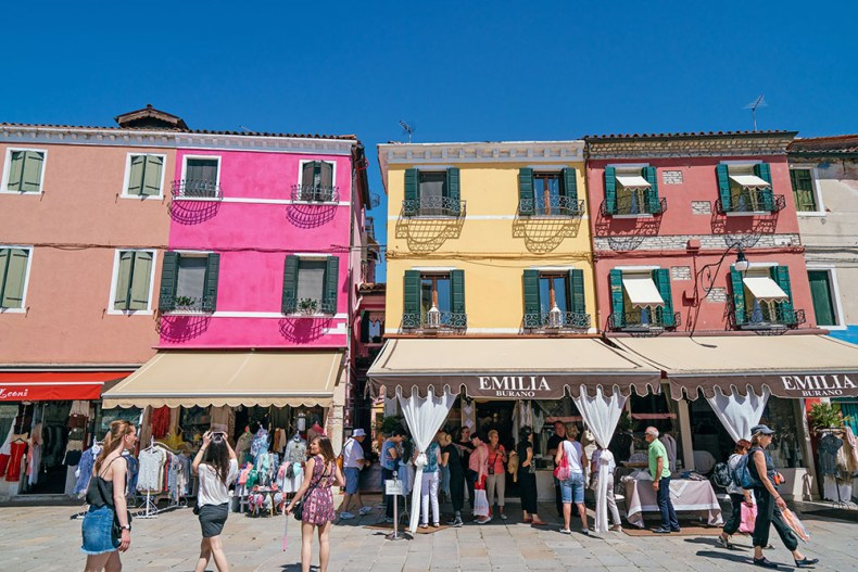 Tina Travels: Burano Travel Guide - The Most Colorful Island in Italy | Of Leather and Lace
