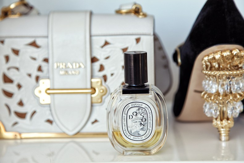 2017 Holiday Gift Guide for Luxury Lovers - Diptyque Perfume | Ofleatherandlace.com