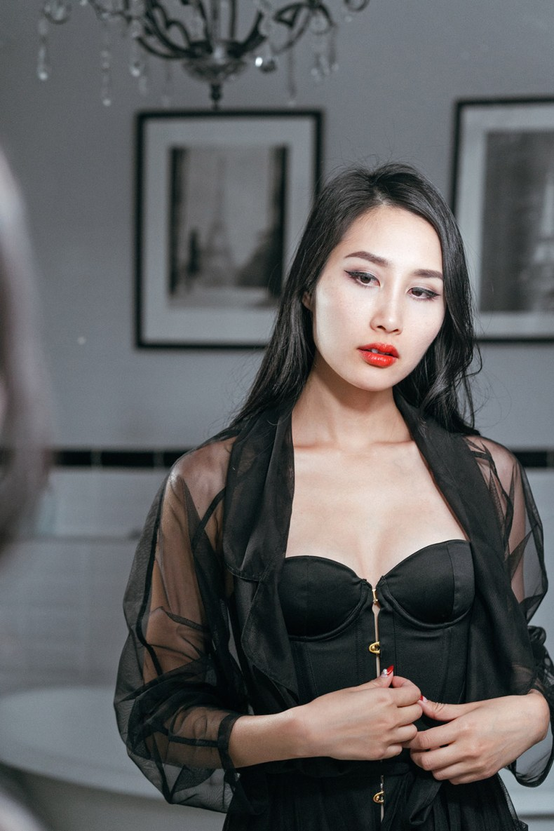 Embrace Your Feminine Side and Sensuality - Black Corset Red Lipstick and Sheer Robe | in Paris | Ofleatherandlace.com
