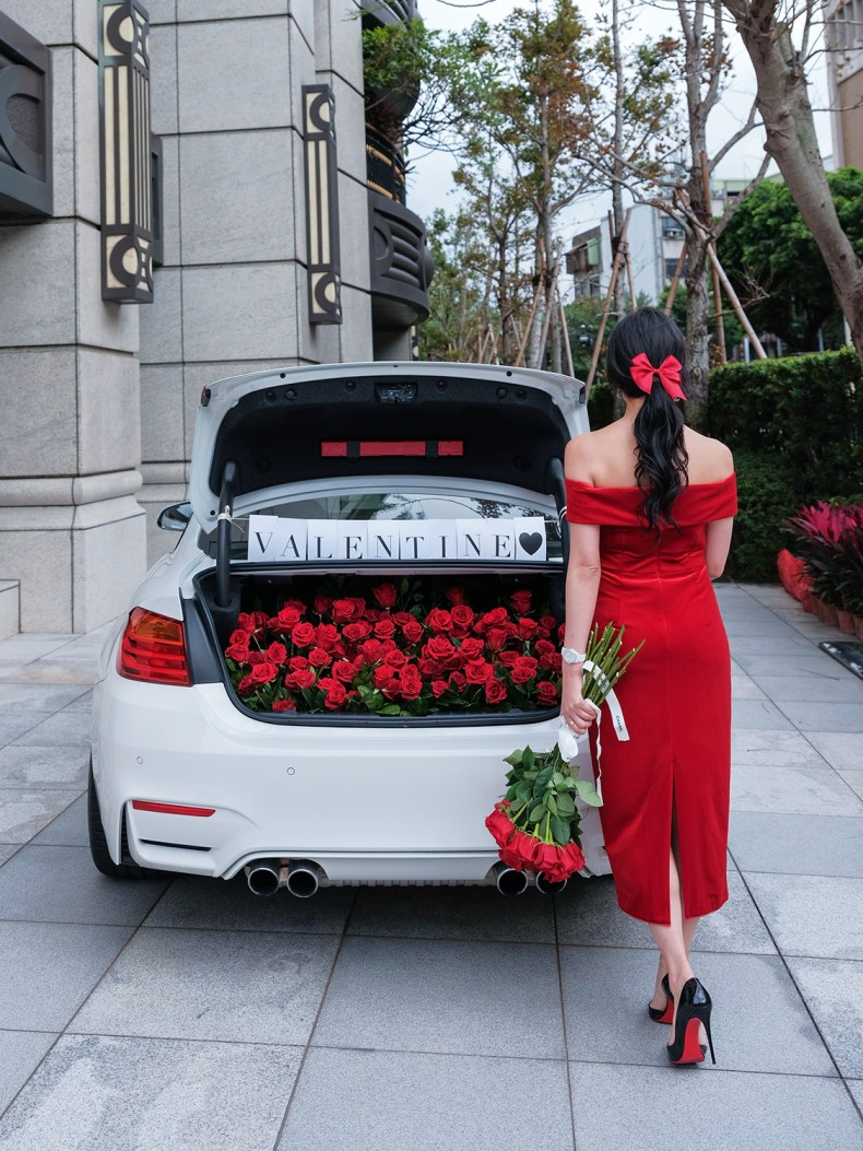 9 Days of Valentine – Day 3: Take A Road Trip   Of Leather and Lace - Fashion & Travel Blog by Tina Lee   valentines date ideas, valentines day decor, red roses, car trunk red roses, red dress, valentines dress, valentines outfit ideas