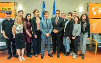 Visite de Gabriel Attal au Québec, le Secrétaire d'Etat rencontre les participants de l'OFQJ