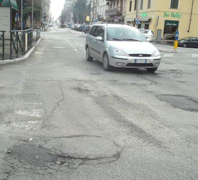 Piazza Roma davanti all'ospedale