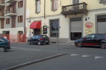 """Tortona, meno parcheggi in piazza Tito Speri nei pressi del mercato: """"Non c'è lo spazio di legge"""""""