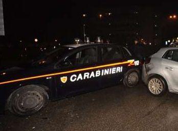 Marocchino armato di coltello rapina due coppie nel centro di Alessandria, arrestato