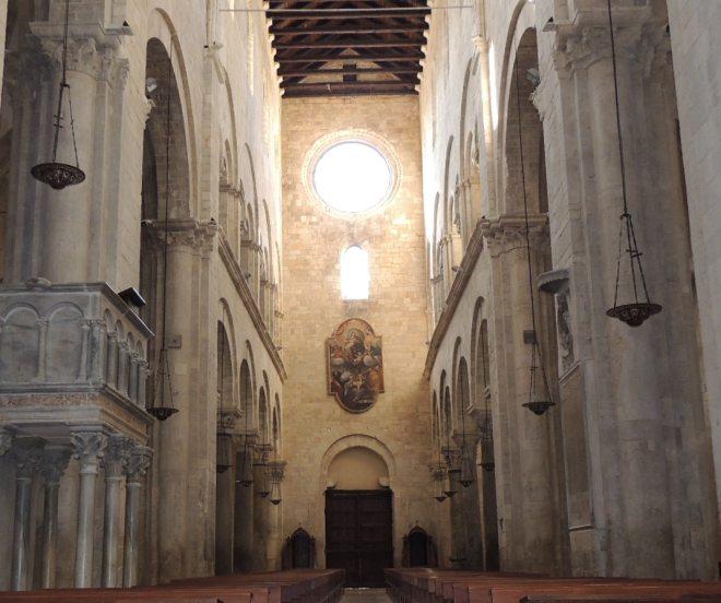 Barletta interno della cattedrale