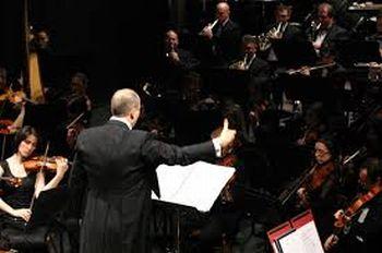 direttore orchestra - Q