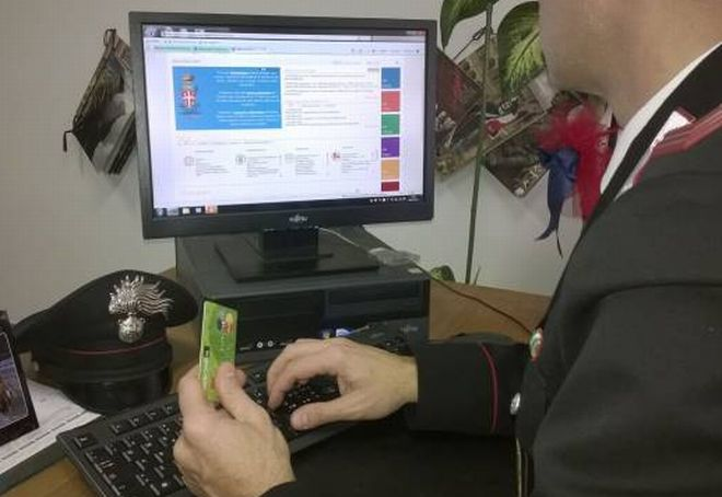 Bosco Marengo, compra una stufa a pellet su internet ma viene truffato