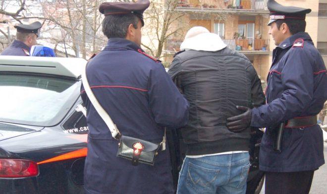 Rissa in un bar di Alessandria, arrestati 4 albanesi