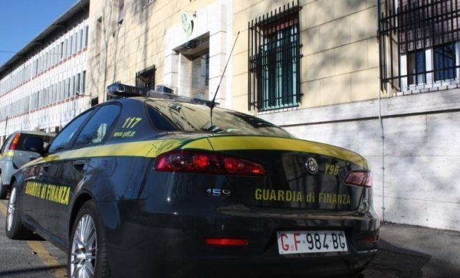 Azienda orafa valenzana vendeva all'estero senza fatturare, evasi oltre due milioni di euro