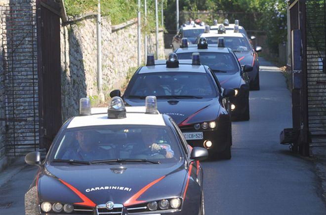 Maxi operazione antimafia dei carabinieri di Imperia: 13 persone arrestate, alcune con l'accusa di associazione di tipo mafioso