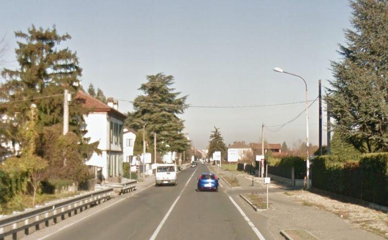La statale per Genova nei pressi con l'intersezione di strada Viola