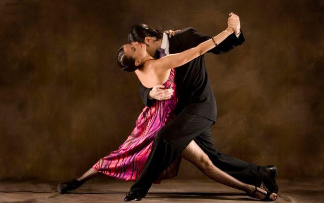 Venerdì 28 luglio alle ore 21.30 torna il Tango sul palco del Teatro Ariston dopo il successo della scorsa estate.