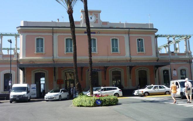 Si ristruttura la stazione ferroviaria di Bordighera