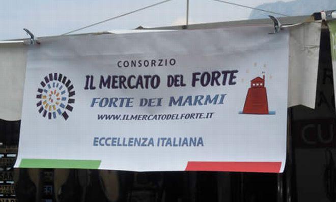 Domenica a Tortona arriva il Mercato di Forte dei Marmi