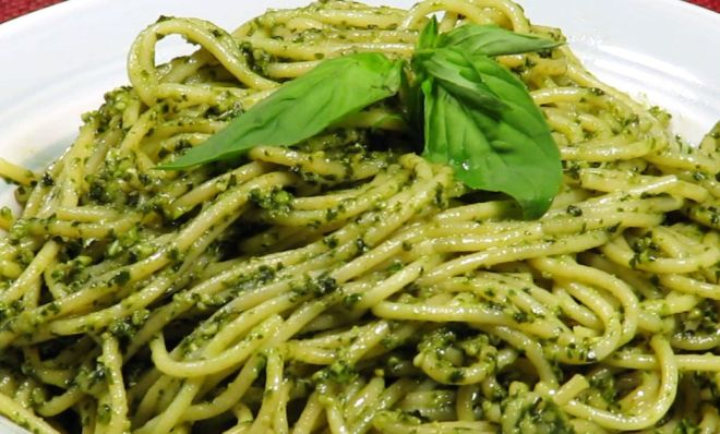 Consumi: in Liguria i piatti della nonna abbracciano terra e mare