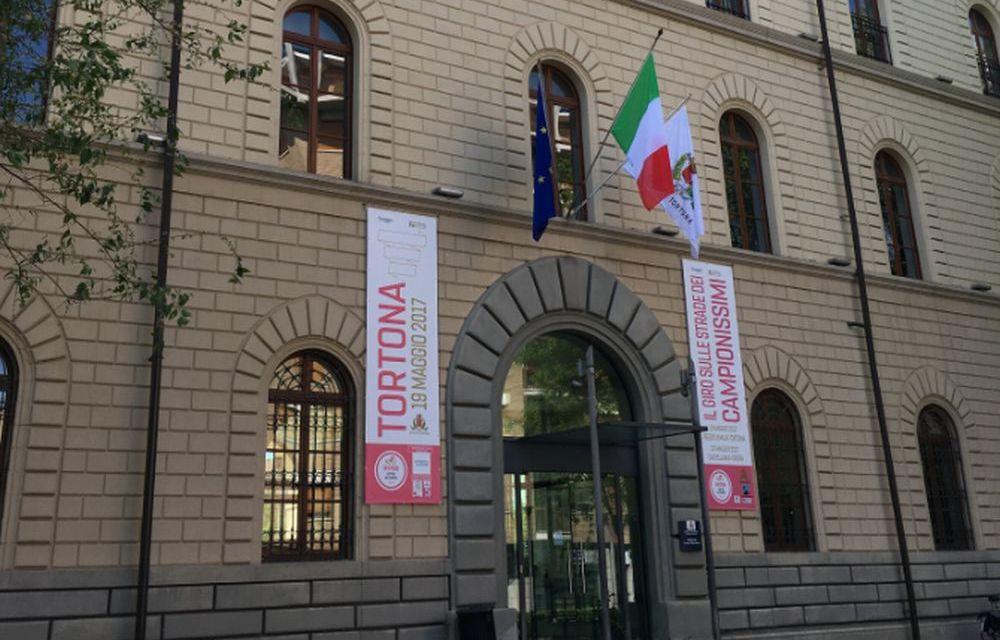 A Tortona rinviato lo spettacolo teatrale, cancellato il mercato di Forte dei Marmi