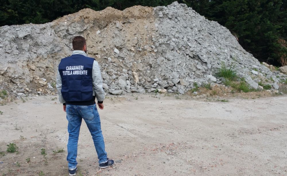 Azienda dell'acquese che tratta rifiuti multata dai carabinieri del Noe