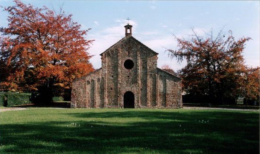Domenica si inaugurano le aperture estive della Pieve di Viguzzolo con una mostra di Maurizio Carta