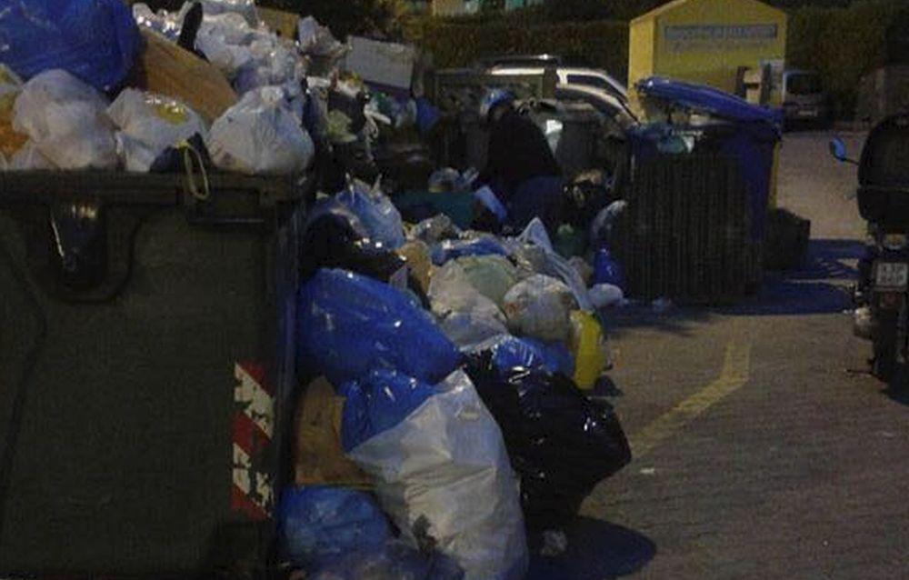 La raccolta rifiuti in alcune zone di Sanremo nel wek end: bel biglietto da visita per i turisti. Non è possibile porvi rimedio?