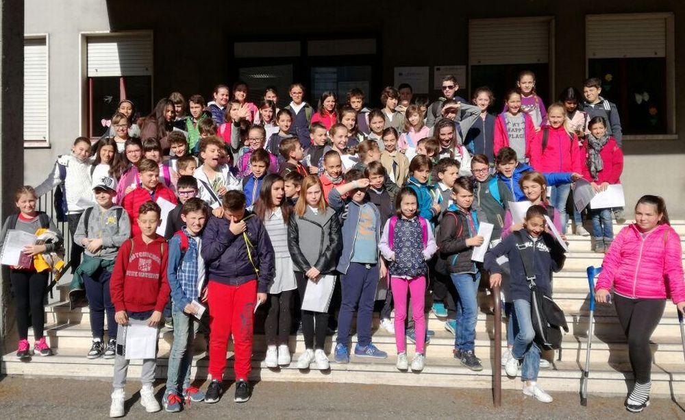 Gli alunni della quinta elementare di TortonaB approcciano l'Università di Cambridge