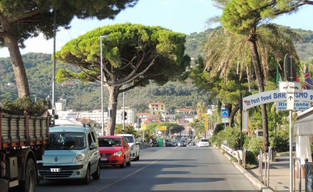 Attenzione: parcheggi gratuiti a Diano Marina sulle strisce blu a dicembre e gennaio solo la domenica