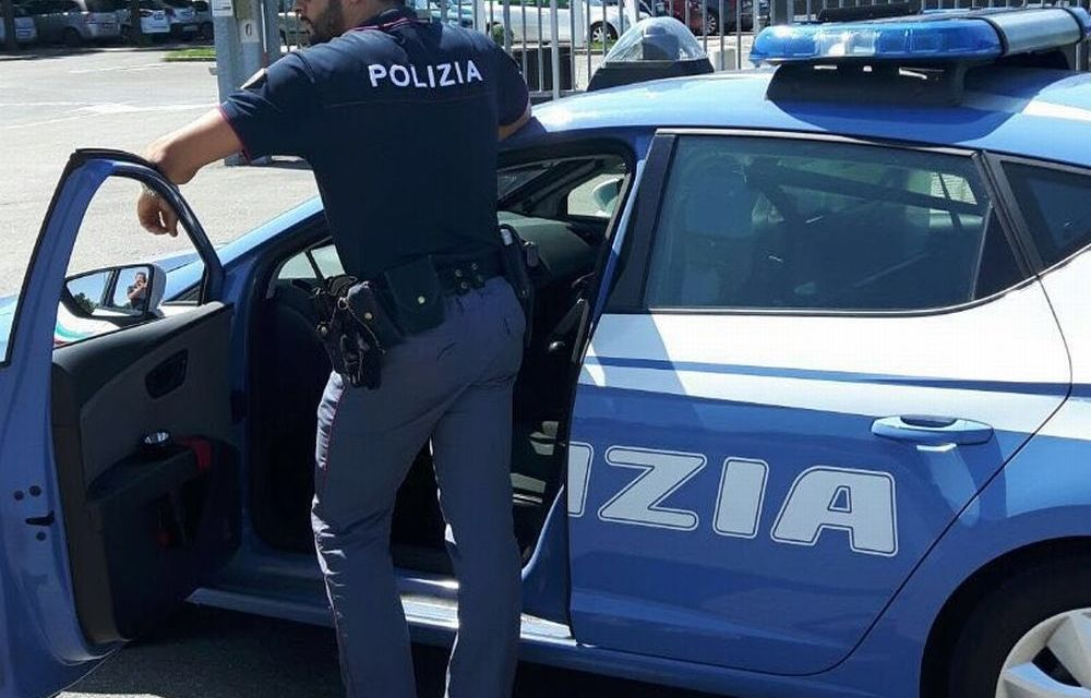 Rumeno tenta il furto alla Coop di Alessandria, preso dalla Polizia