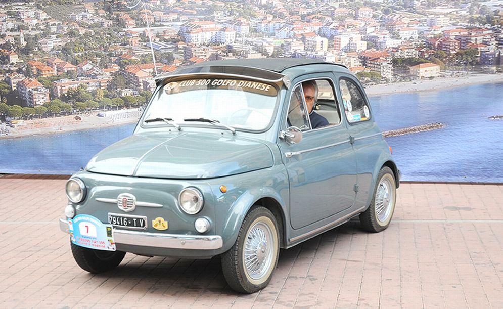 Diano Marina domenica ospita il raduno delle Fiat 500
