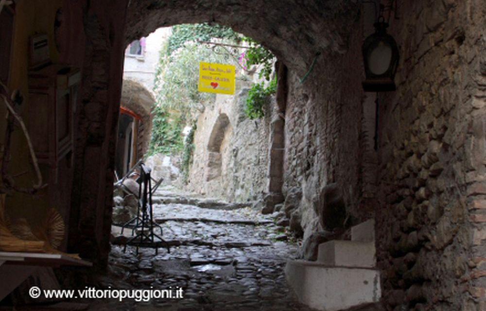 Viaggiareoggi: Bussana Vecchia, il borgo degli artisti- A cura di Federica Torassa
