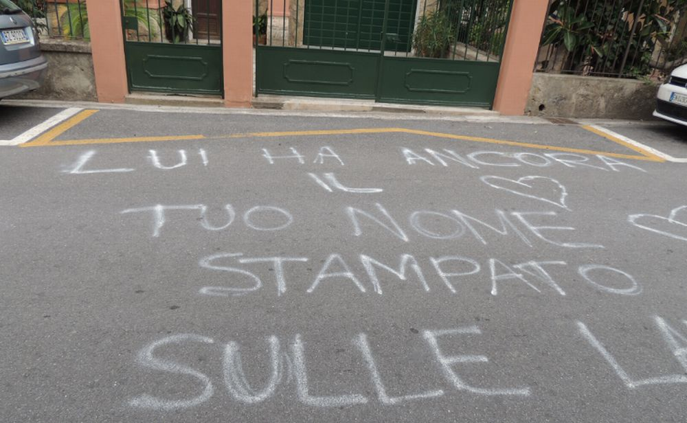 Una dichiarazione d'amore scritta sulle strade di San Bartolomeo al Mare