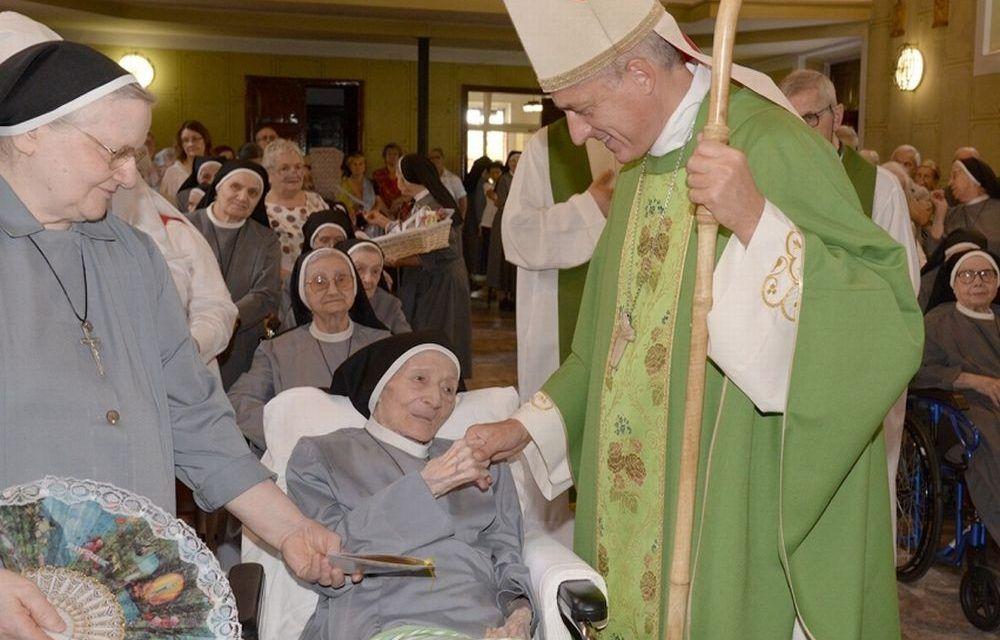 E' morta la suora centenaria di Tortona. Aveva appena festeggiato i 100 anni il 24 luglio scorso