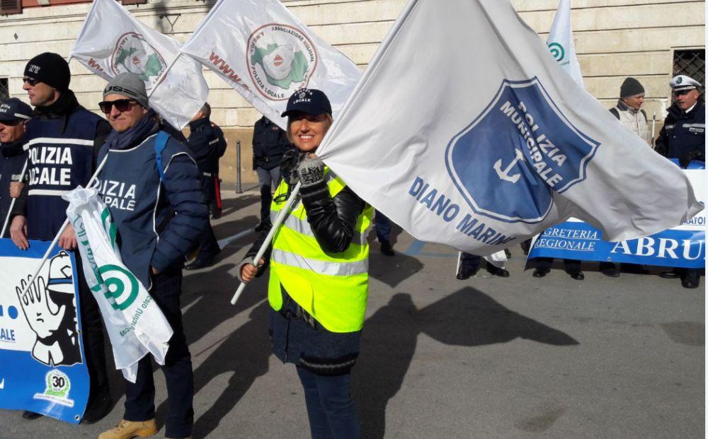 La Polizia Municipale di Diano Marina a Bari per incontrare il presidente Anci per la riforma dei Vigili Urbani