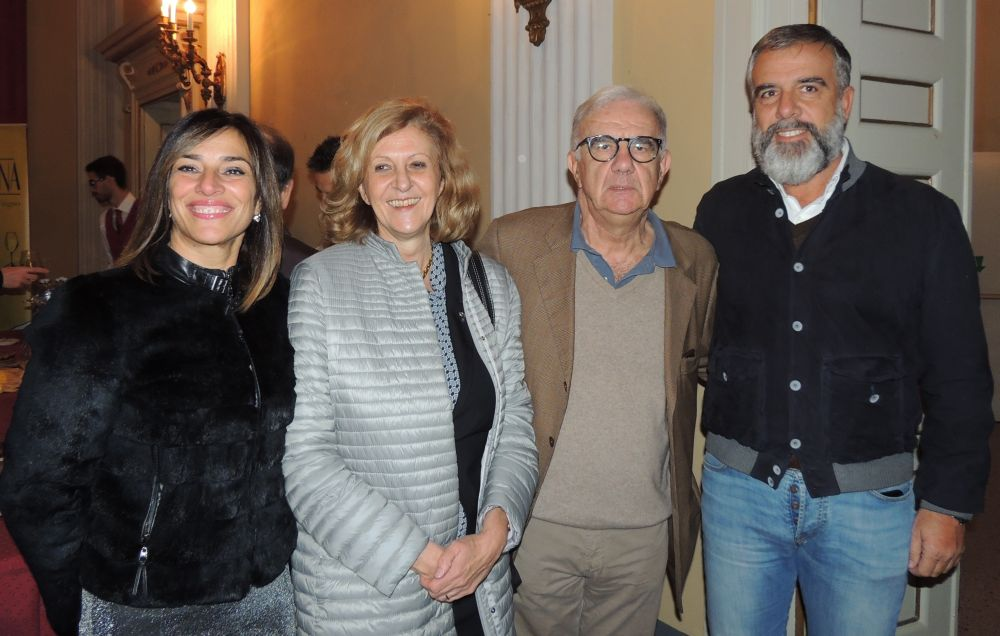 """Un successo la """"Prima"""" della nuova stagione al Teatro Civico di Tortona con Gene Gnocchi che coinvolge pure il presidente della Fondazione./Le immagini"""