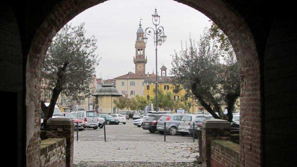 Domenica a Casale Monferrato torna Il Mercatino dell'Antiquariato nella sua edizione estiva