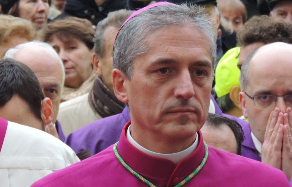 """Il Vescovo di Tortona contro il sistema economico: """"E' una società che non privilegia l'uomo e il lavoro e produce scarti umani"""""""